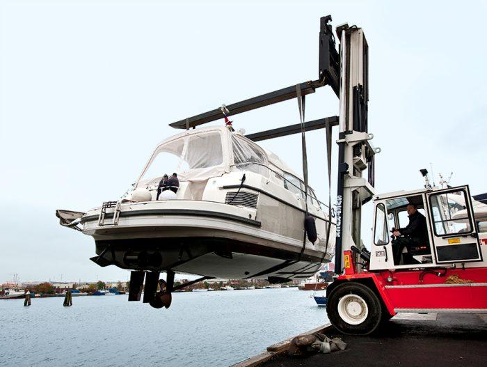 Båtakuten båtupptagning